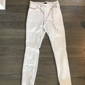 Cream Colored Skinny Jegging